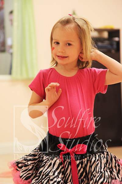 056 Pinkalicious Benefit 2012