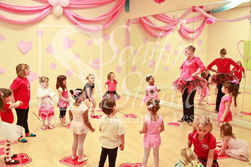 073 Pinkalicious Benefit 2012