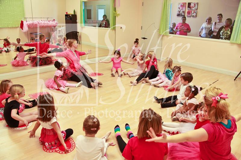 069 Pinkalicious Benefit 2012
