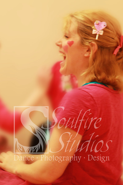 061 Pinkalicious Benefit 2012