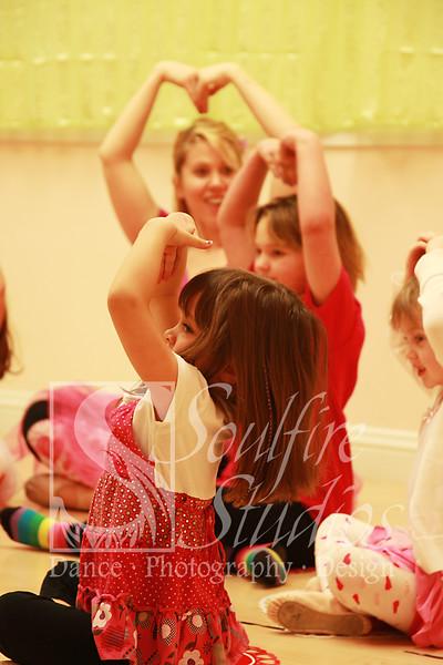 064 Pinkalicious Benefit 2012