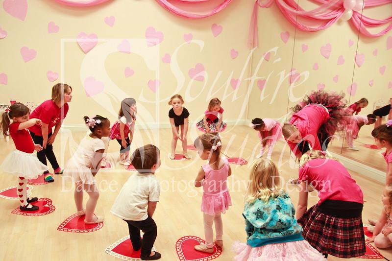 076 Pinkalicious Benefit 2012