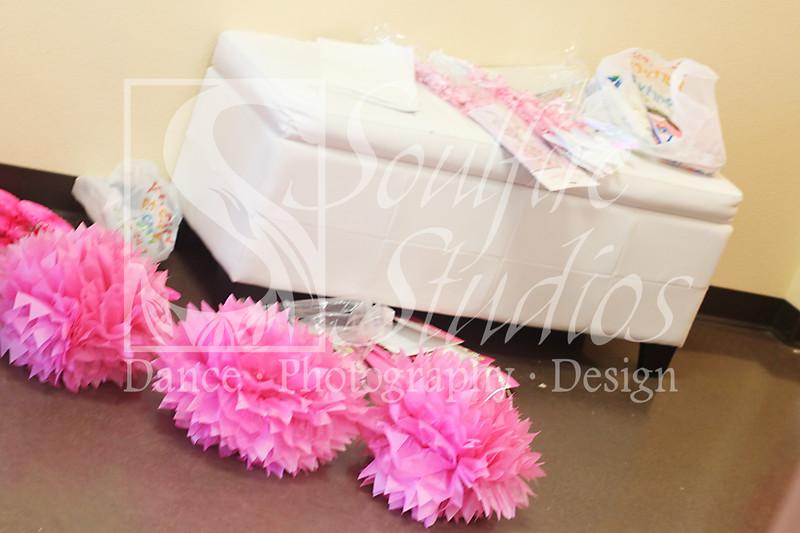003 Pinkalicious Benefit 2012