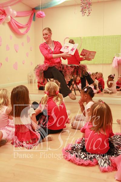 081 Pinkalicious Benefit 2012