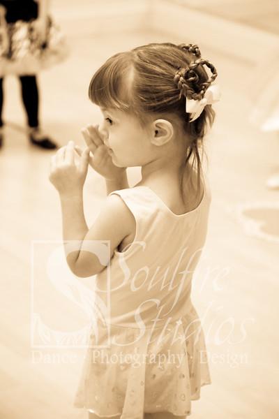 075 Pinkalicious Benefit 2012