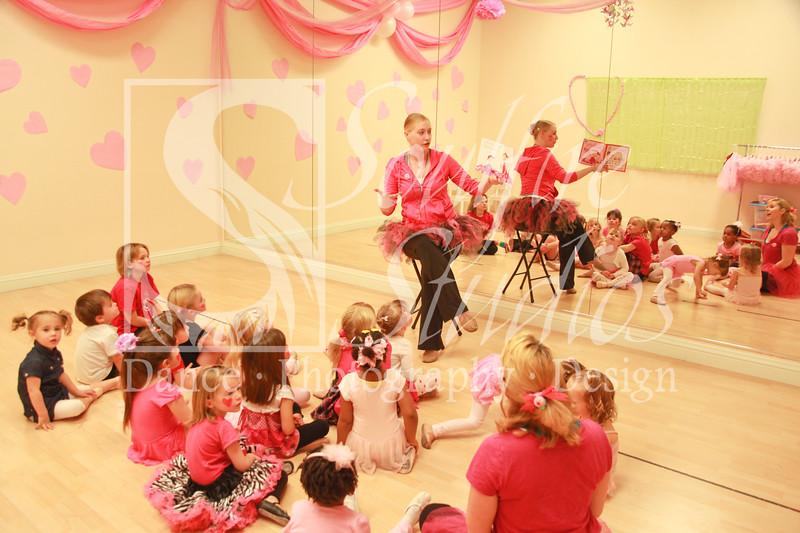 078 Pinkalicious Benefit 2012