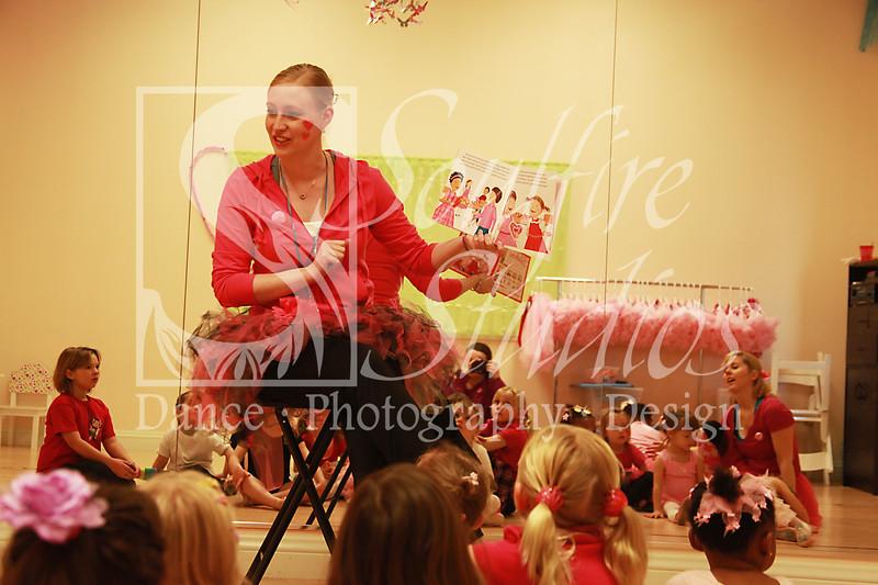 082 Pinkalicious Benefit 2012