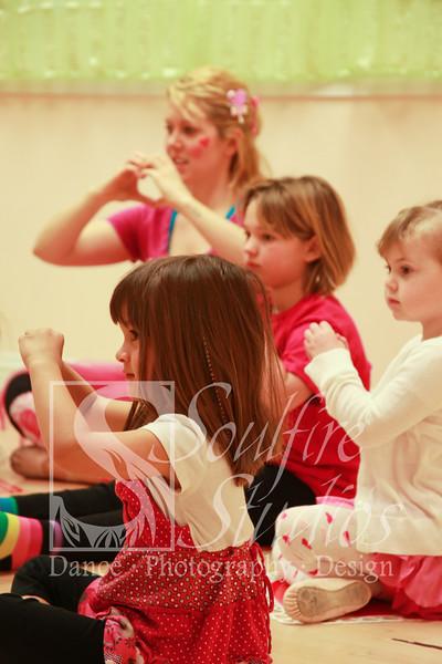 063 Pinkalicious Benefit 2012