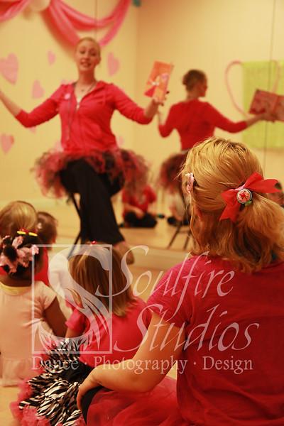 080 Pinkalicious Benefit 2012