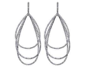 Strömdahls Juveler http://www.stromdahl.se  08 24 04 65   Örhängen i vitguld med 484 diamanter totalt 3,70 ct. 105.000 kr