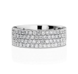 Strömdahls Juveler http://www.stromdahl.se  08 24 04 65 Alliansring i Vitguld. Cirka 68 diamanter 1,29 carat totalt. Pris ca 49.680 kr