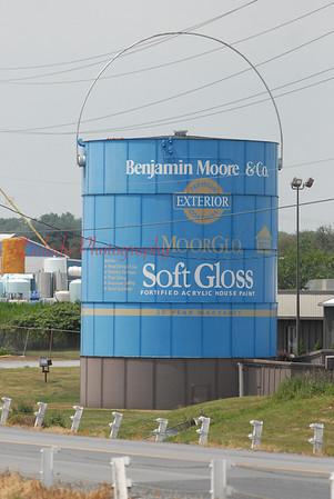 Paint can along I-81 near the Mason-Dixon.