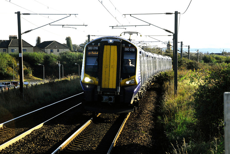 350016 Approaching Prestwick airport Station