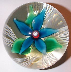 """DCP04599D4-""""S78""""-Turquoise...Strathearn D4 Magnum """"S78"""" turquoise flower over five double latticino twists & clear ground, 3.45"""" x 3.3"""" & 34 ozs. Flat cut polished base. Black Strathearn label. Signed & dated """"S78"""" center cane. Discontinued May 1, 1978. acquired 09-28-04."""