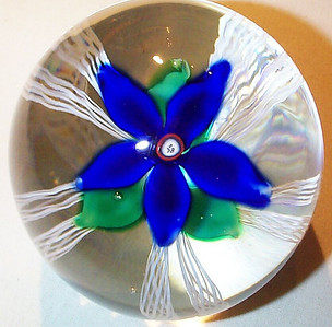 """DCP04697D4-""""S78""""-Blue...Strathearn D4 Magnum """"S78"""" Blue flower over five double latticino twists & clear ground, 3.7"""" x 3.6"""" & 43 ozs. Flat cut polished base. No label. Signed & dated """"S78"""" center cane. Discontinued May 1, 1978. acquired 01-30-06."""