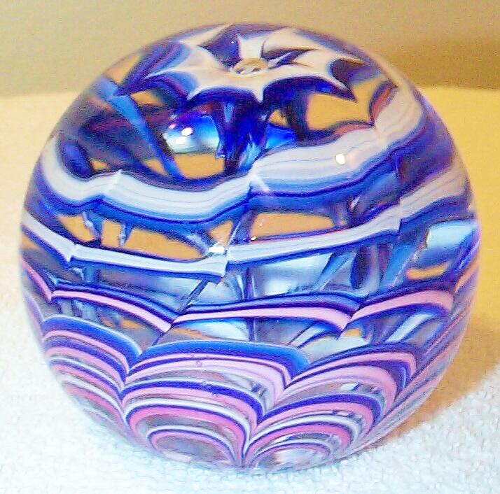 "DCP04431PE-Spiral...Strathearn Experimental Magnum Blue, White and Pink Spiral and Swags on a clear ground, 3.5"" x 3.0"" and 33 ozs. Concave fire-polished base. No label. circa 1979 to 1980. acquired 01-17-03."