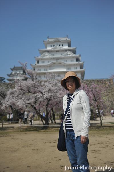 Ritsuko at Himeji Castle