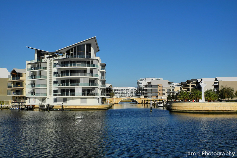 Luxury Waterfront Apartments.<br /> Mandurah, Western Australia.<br /> This the last photo from my little trip down to Mandurah, during my visit to Perth in August. It was winter in Perth, but as you can see the lovely blue skies, it was like the end of April weather in Kyoto, but with clear skies!