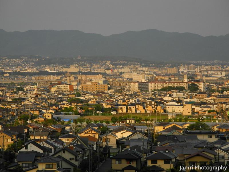 Towards Momoyama