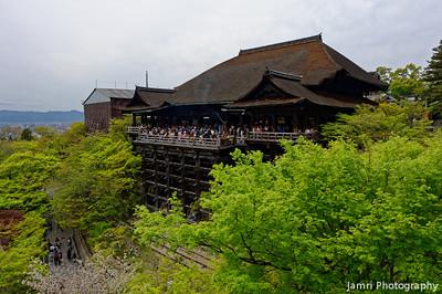 A Spring View of Kiyomizu-dera