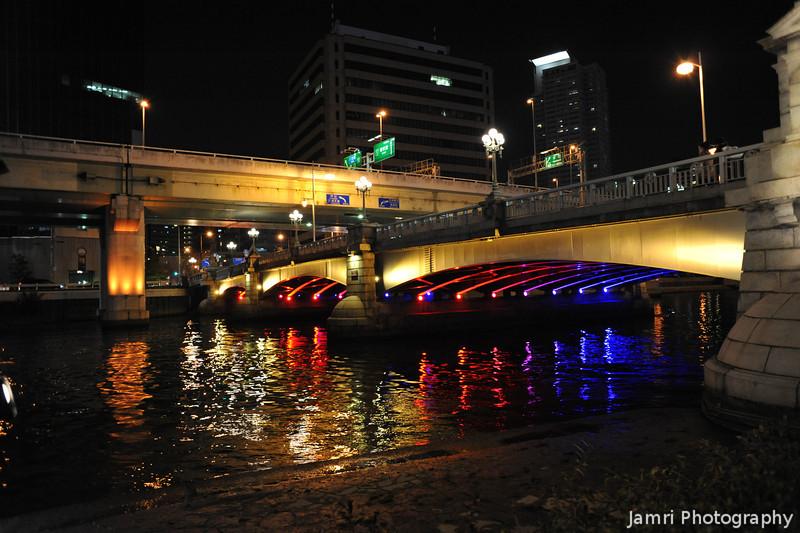 Lighting up the Bridges.<br /> Part of the 2012 Osaka Hikari Renaissance.