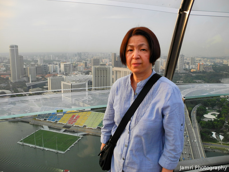 Ritsuko on the Observation Deck.<br /> Of the Marina Bay Sands Hotel.