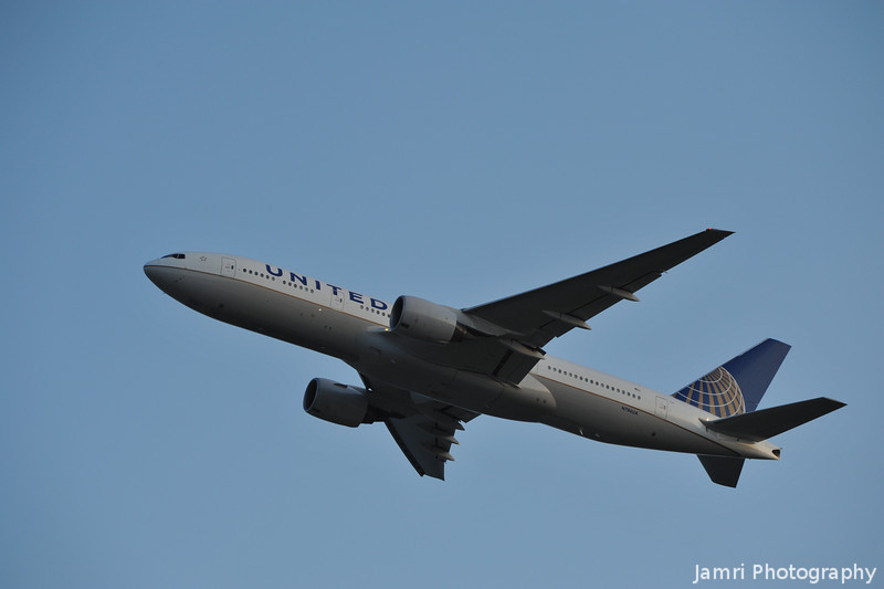 United Boeing 777 Ascending