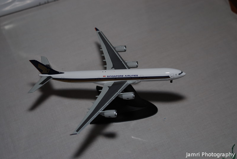 "Herpa Wings Singapore Airlines A340-300 ""Celestar"""