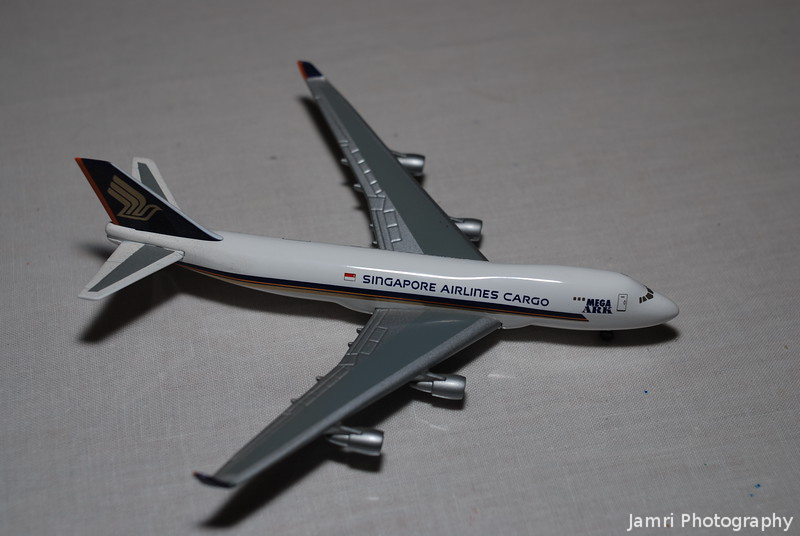 "Herpa Wings Singapore Airlines Cargo B747-400F ""Mega Ark"""