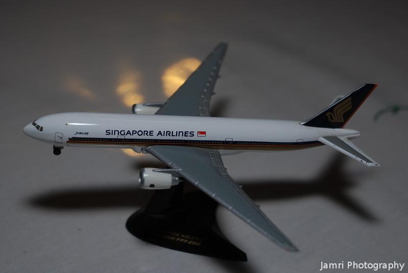 """Herpa Wings Singapore Airlines B777-200 """"Jubilee"""""""