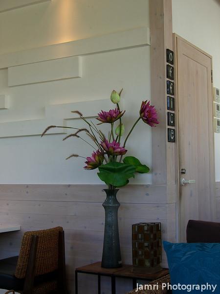 Flower Arrangement.<br /> In the Hermit Green Cafe.