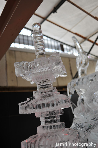 A closer look at the pagoda carving.
