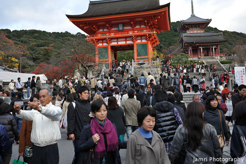 Crowded Temple.<br /> Kiyomizu temple is one of Kyoto's most popular, and there's plenty of people there most times, except if you go when it opens at 6:00am. However, being a public holiday and colour change season meant there was even more.... And wait, once the night light up started there was even more people than this!