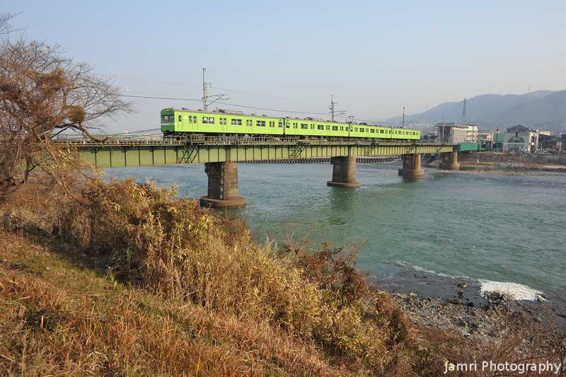 """A Macha Coloured Train. Macha is the green tea used in the tea ceremony. Please see my <A href=""""http://jamri.smugmug.com/Non-Commercial/Not-for-Sale/16110337_9o6CM#1209534586_Ettgw"""">""""Not for Sale"""" gallery</A> for the photos of Byodoin Temple."""