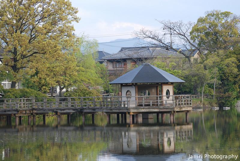 Towards the Gazebo.<br /> This gazebo was built at Nagaoka Tenmangu Shrine, to celebrate Nagaokakyo's sister city relationship with Ningbo in China. Nagaokakyo is also a sister city of Arlington, Massachusetts, in the United States.