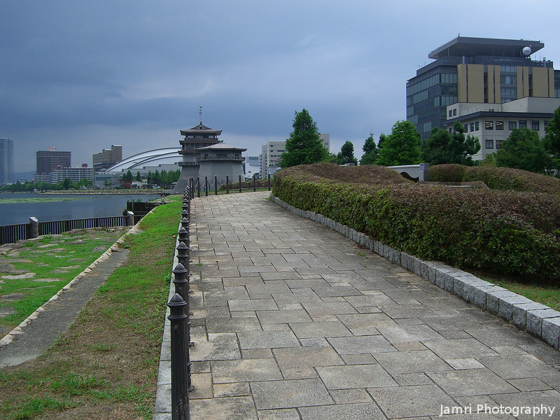 Following the Road.<br /> Continuing on my 7km walk from Hama-Otsu station to Ishiyama station.