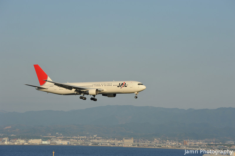 JAL coming in for Landing.<br /> At Kansai Airport.<br /> A Boeing 767-346, rego: JA8267.