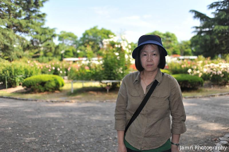 Ritsuko at the Botanical Gardens.