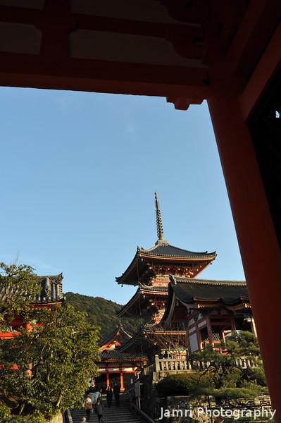 Through the Temple Gateway.<br /> At Kiyomizu Temple.