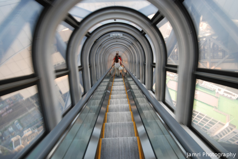 Vertigo!<br /> On the escalator that brings you down from the observation deck at the Umeda Sky Building.