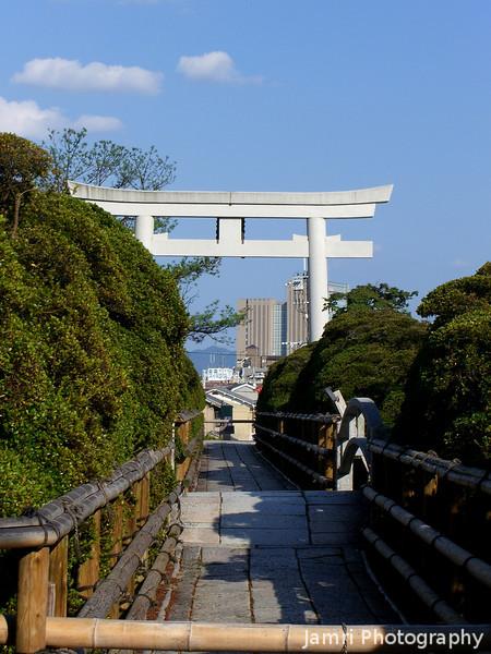 Towards the Main Gate.<br /> Of Nagaoka Tenmangu Shrine.
