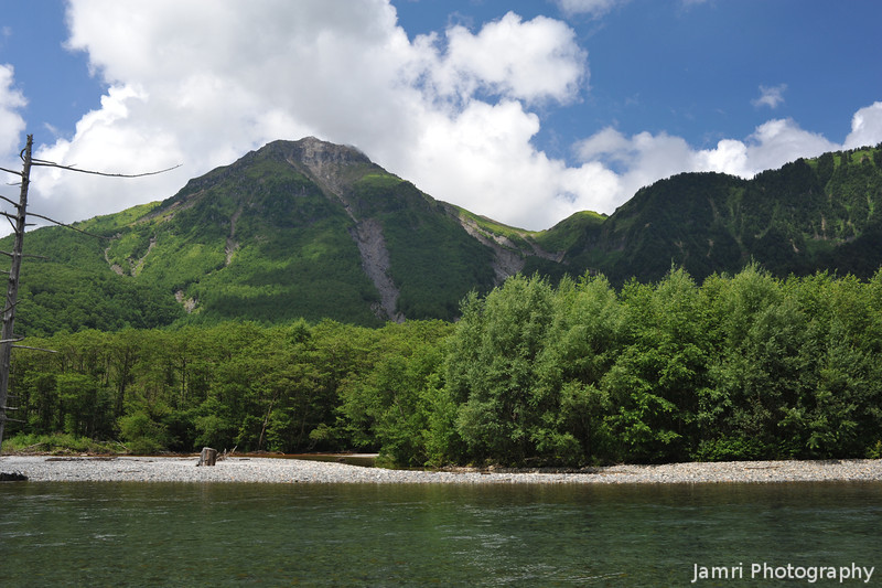 River and Mountains.<br /> From the Azusa River towards Mt. Yake-dake.