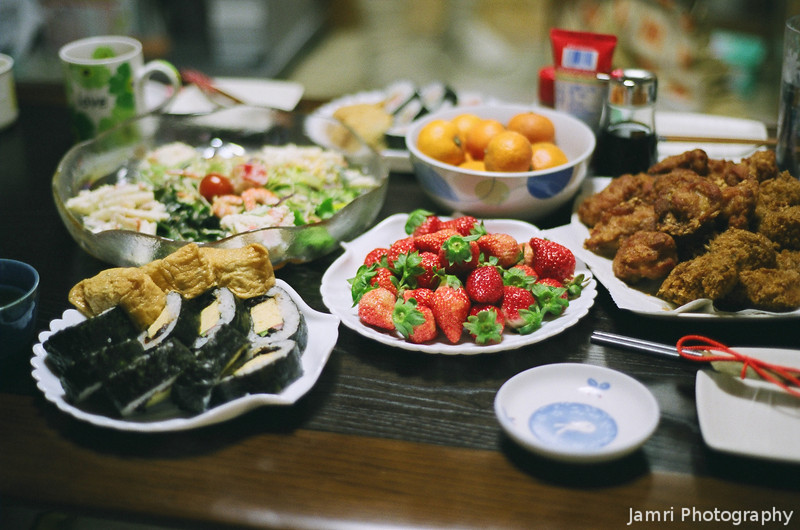 New Year's Eve Feast<br /> Part of the feast we had on New Year' Eve with friends.<br /> Note Film Shot: Nikon F80 + Nikkor 50 f/1.8 + Fujicolor PRO400