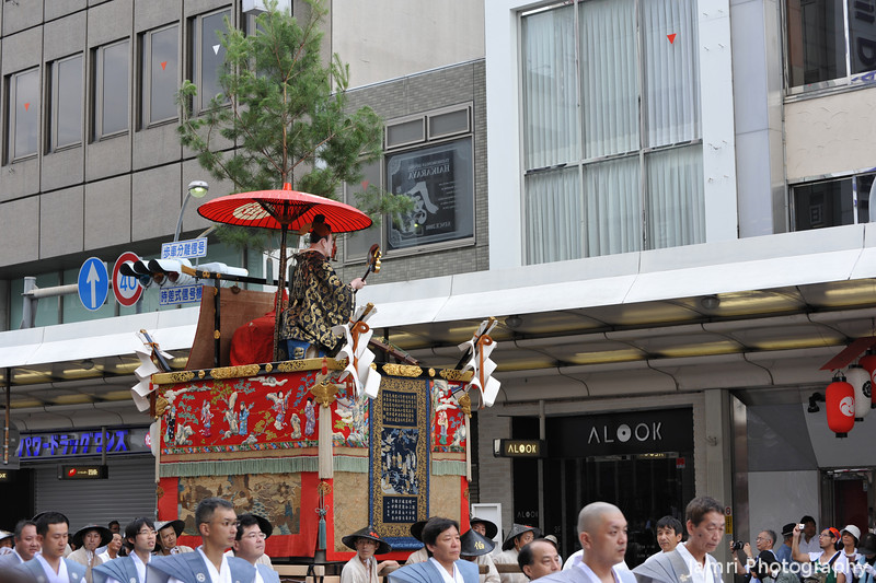 At the Gion Matsuri.<br /> The first post from the Gion Matsuri (Gion Festival) today, plenty more to come!