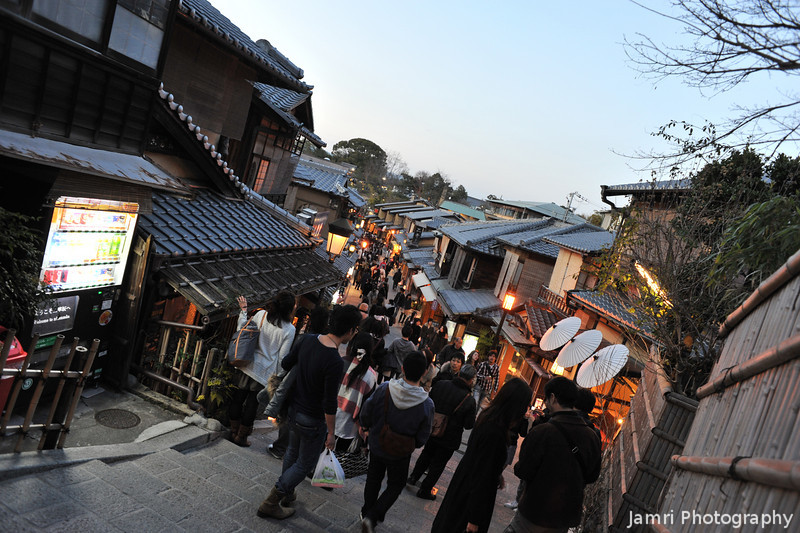 Descending into a traditional shopping zone.<br /> During the 2011 Higashiyama Hanatouro (flower light path) in Kyoto.