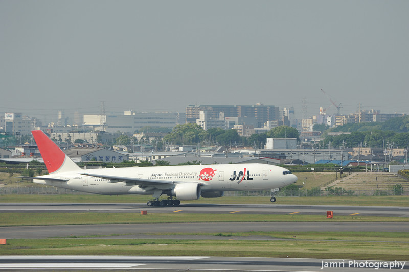"JAL Boeing 777-200 ""Japan Endless Discovery"" front wheel up."