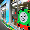 Thomas the Tank Engine decorated waiting room.<br /> At Keihan Hirakata-shi Station on the platform for trains going to Kisaichi.