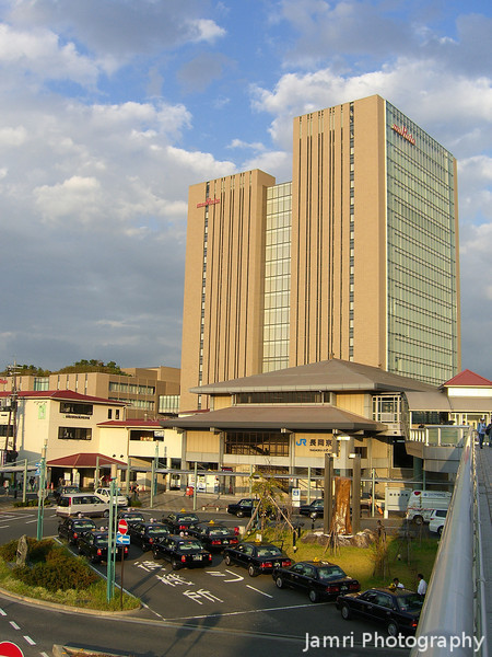 JR Nagaokakyo and Murata Tower.