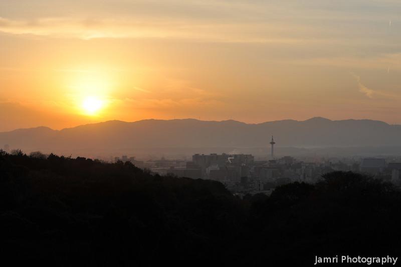 The Sun beginning to set over Kyoto.<br /> From Kiyomizu-dera (Kiyomizu Temple) Higashiyama, Kyoto.