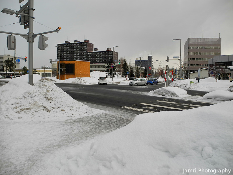 Snow Piled Up.<br /> In Shinsapporo.